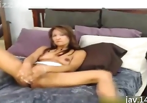 Asian Likes round Drill her Cunt with Huge Dildos
