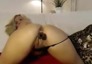 Exotic Hawt Peaches Fucks Yourselves on Cam!