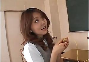 Oriental schoolgirl - HotAmateurWebcam.com