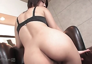 41Ticket - Saki Ootsuka Plays With Her Tight Wet crack (Uncensored JAV)