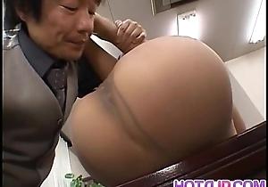 Misaki Inaba nailed convenient job