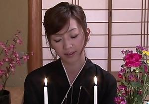 Kanon Hanai devours four knobs fro inexact deportment